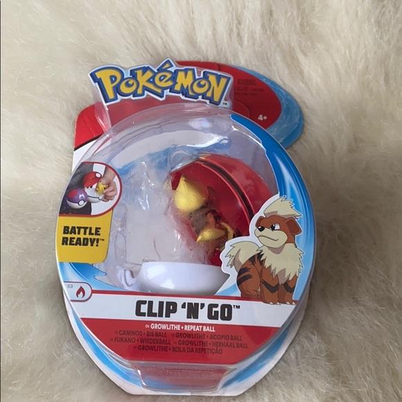 Pokémon Clip n Go toy